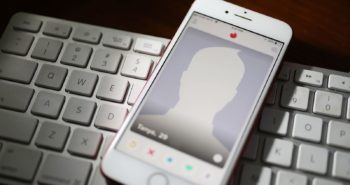 The Russian Government Now Requires Tinder to Hand Over People's Sexts
