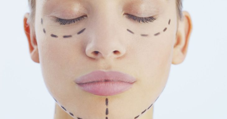 Study says Tinder, Snapchat users are more OK with cosmetic surgery
