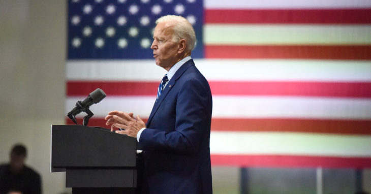 Biden Stresses Ties to Obama, Apologizes for Remarks on Segregationists