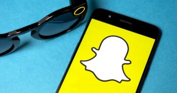 You can now post your Snapchat Stories to other apps