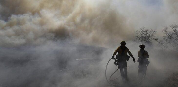 Wildfire smoke worsens coronavirus risk, putting firefighters in extra danger