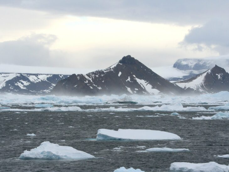 Antarctic ice shelves melted at speeds of 50 metres a day at end of last Ice Age, scientists warn