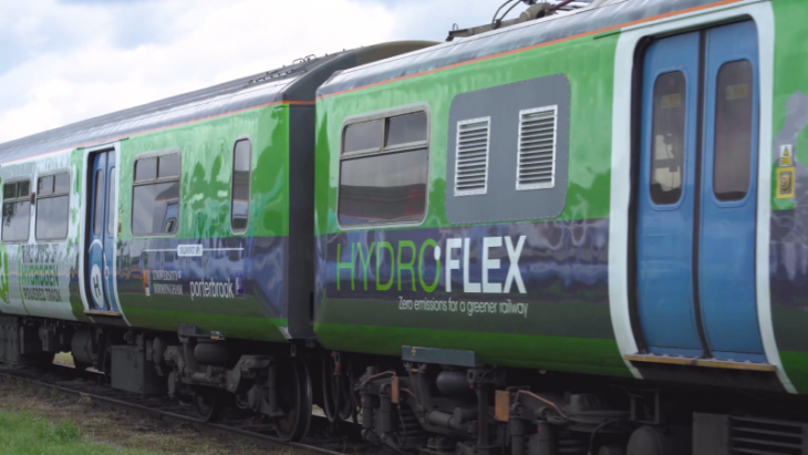 UK jumps on hydrogen railwagon