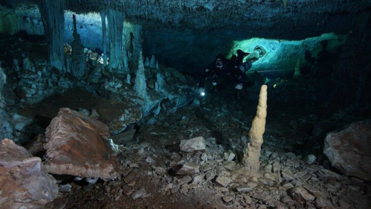 Evidence of Prehistoric Ochre Mine Found in Submerged Mexican Caves