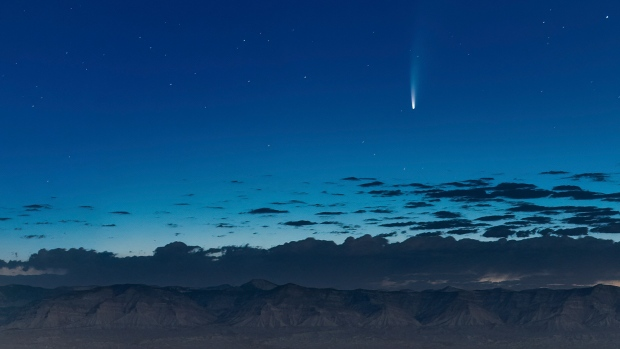 Comet streaking past Earth, providing spectacular show – CP24 Toronto's Breaking News