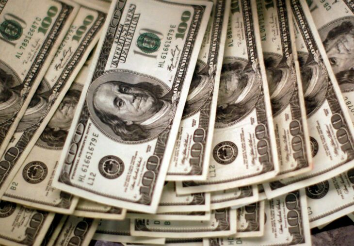 FOREX-Dollar stumbles as investors await U.S. stimulus breakthrough – Reuters