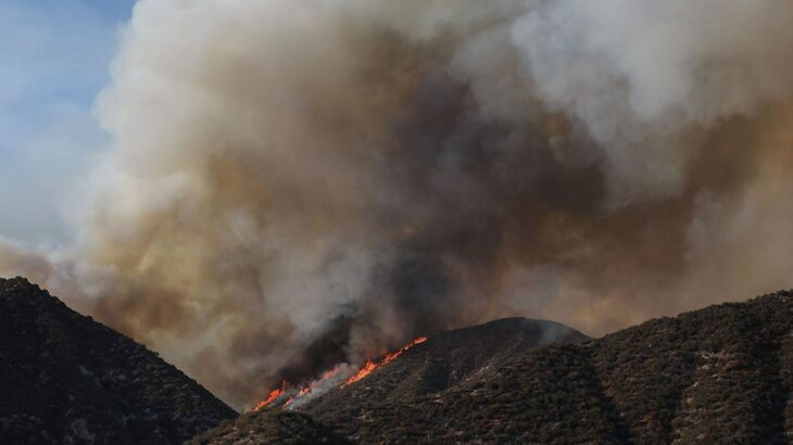 Heatwave conditions hamper US fire crews