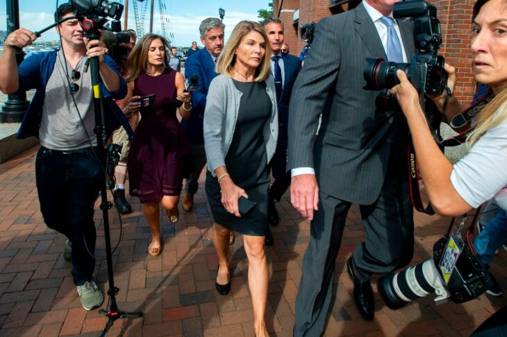 Lori Loughlin Gets 2 Months In Prison For College Bribery Scandal; Husband Mossimo Giannulli Gets 5-Month Sentence – CBS Los Angeles