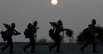 Thousands of Oregon evacuees shelter from wildfires as U.S. disaster declared